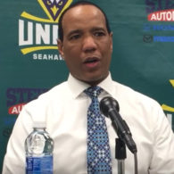 Kevin Keatts UNC Wilmington Seahawks Set Plays